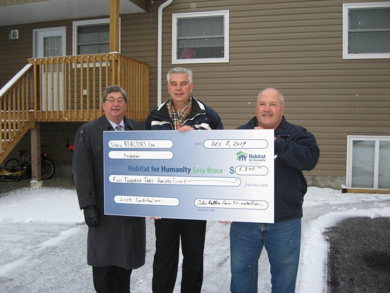 Cheque Presentation to Habitat For Humanity